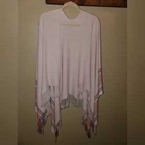 NWOT! Causebox Siizu Fringe Poncho - Cream